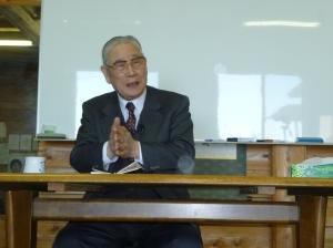 ご講演されている森田実先生