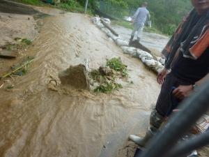 ゲリラ豪雨による濁流現場(平成22年7月)