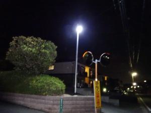LED外灯が設置された交差点