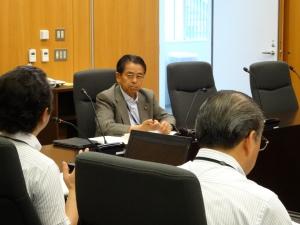 町田市役所で新公会計制度について説明をいただく