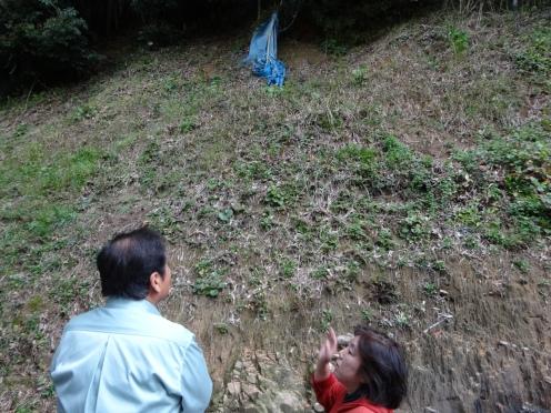 裏山の怖さを黒田議員に相談される