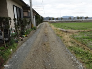 ぬかるむ里道(二丈深江)