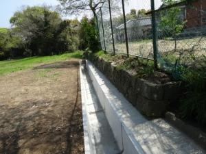 側溝が整備された(平成27年4月撮影)