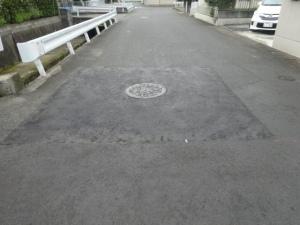 段差が解消された路面(6月25日撮影)